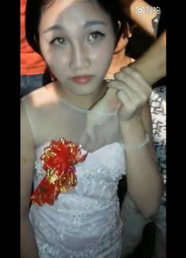【GIFあり】結婚式で性接待させられる中国の花嫁たち・・・(画像30枚)・14枚目