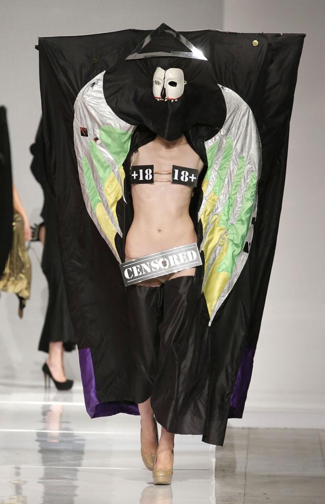 エロいんだけど思わず笑ってしまう海外のファッションショーwwwwww(画像38枚)・18枚目