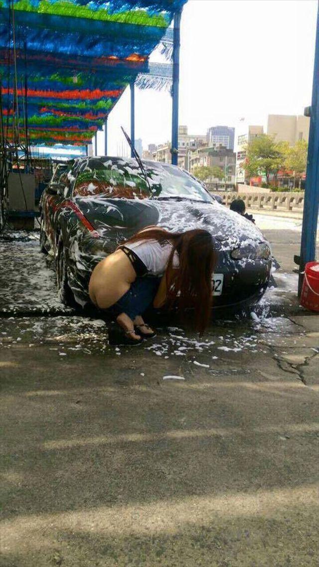 女体洗車とかいう変わったセクシーサービスが神杉wwwwwwww(画像あり)・19枚目