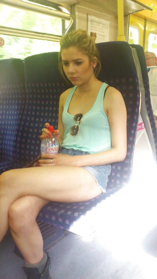 電車内で対面撮影した画像。ガチの天国やったwwwwww(28枚)・22枚目