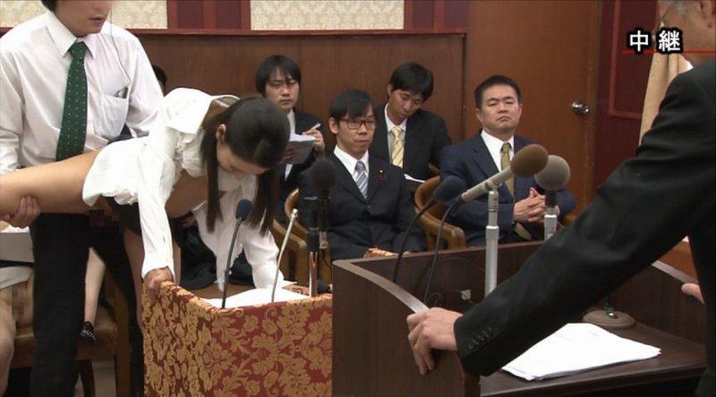 【悲報】国会で餌食となっている女性議員たち。。(画像あり)・6枚目