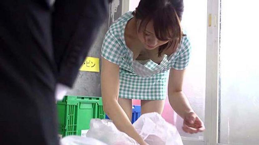 近隣の奥さんがゴミ出しにノーブラでやってくるんだがwwwwwwww(画像あり)・9枚目