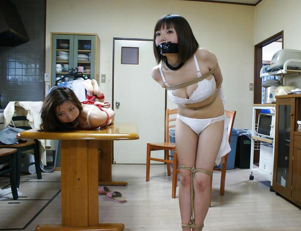 【レイポ注意】 口を封じられて拘束された女のエロさは異常wwwwww(※画像あり)・6枚目
