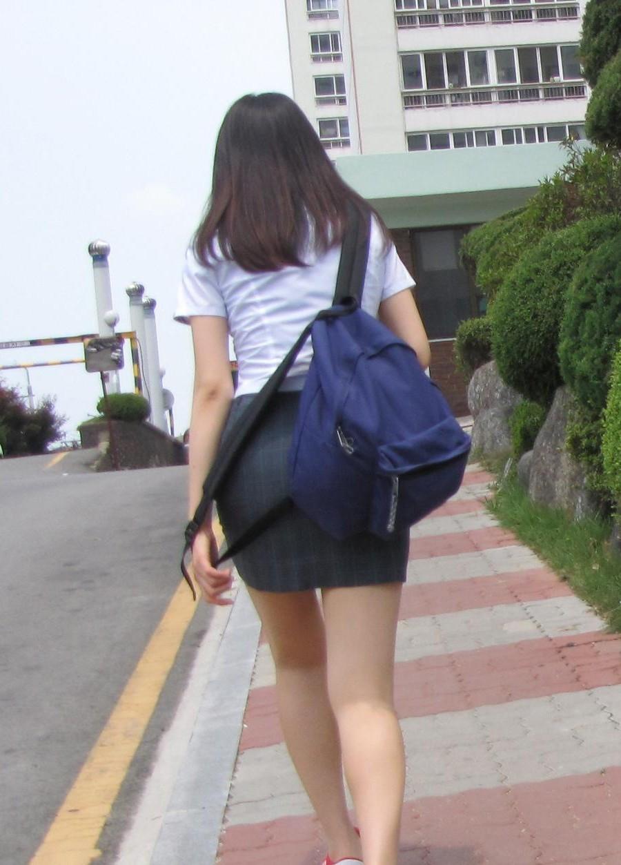娼婦チックな韓国の制服JK、期待を裏切らないセクスィーさwwwwwwww(画像27枚)・1枚目