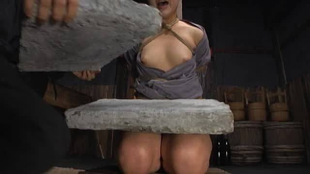 石抱き拷問とかいうとかいう拷問プレイをされた結果・・・(画像あり)・11枚目