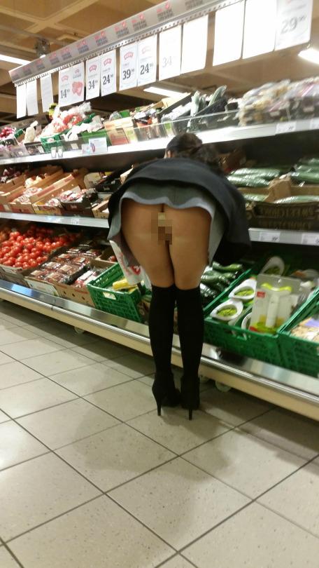 際スーパーで挑発してくるパンチラ女、、思ったよりイける。(28名)・11枚目