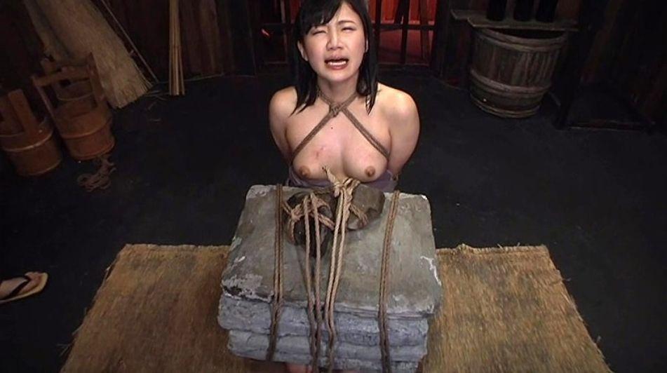 石抱き拷問とかいうとかいう拷問プレイをされた結果・・・(画像あり)・16枚目
