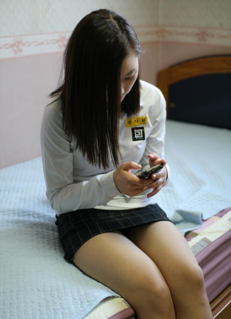 娼婦チックな韓国の制服JK、期待を裏切らないセクスィーさwwwwwwww(画像27枚)・16枚目