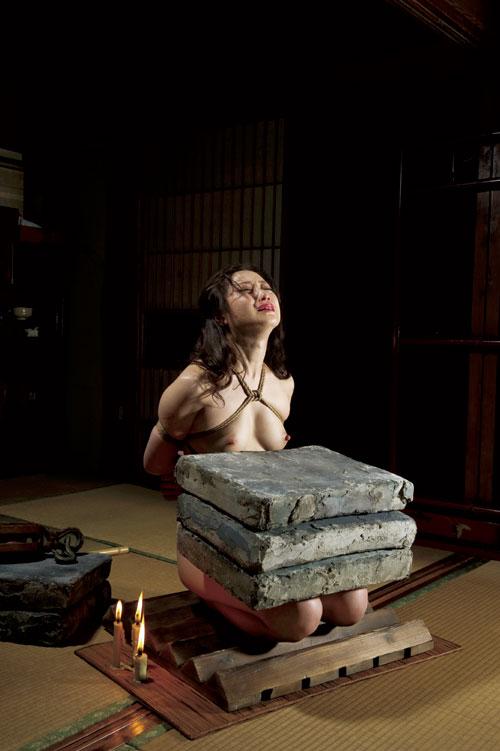 石抱き拷問とかいうとかいう拷問プレイをされた結果・・・(画像あり)・19枚目