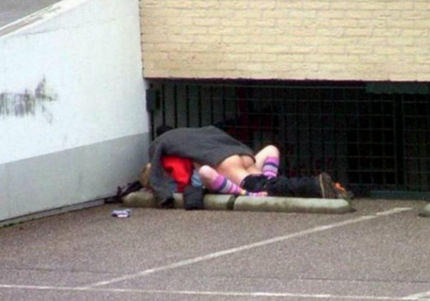 逮捕覚悟で野外セックスするカップルたち激写されるwwwwwwwww(画像あり)・20枚目