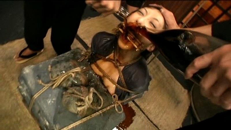 石抱き拷問とかいうとかいう拷問プレイをされた結果・・・(画像あり)・21枚目