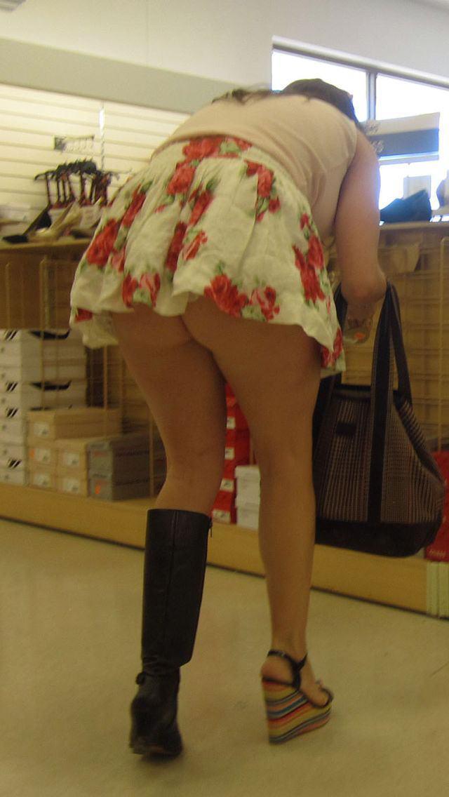 際スーパーで挑発してくるパンチラ女、、思ったよりイける。(28名)・23枚目