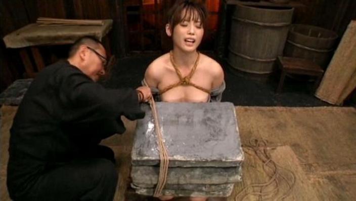 石抱き拷問とかいうとかいう拷問プレイをされた結果・・・(画像あり)・27枚目