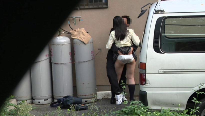 逮捕覚悟で野外セックスするカップルたち激写されるwwwwwwwww(画像あり)・27枚目