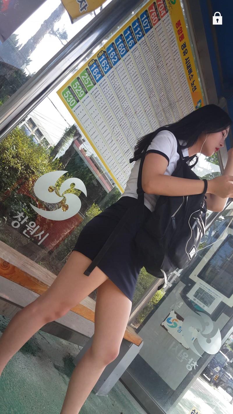 娼婦チックな韓国の制服JK、期待を裏切らないセクスィーさwwwwwwww(画像27枚)・8枚目