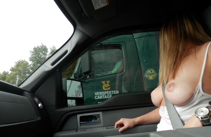 渋滞中のヘンタイ女の過ごし方をご覧くださいwwwww(画像あり)・12枚目