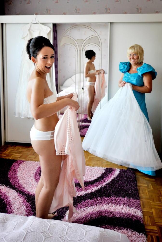 海外の結婚式のビデオ撮影は着替えから記録するらしいwwwwww(画像あり)・20枚目