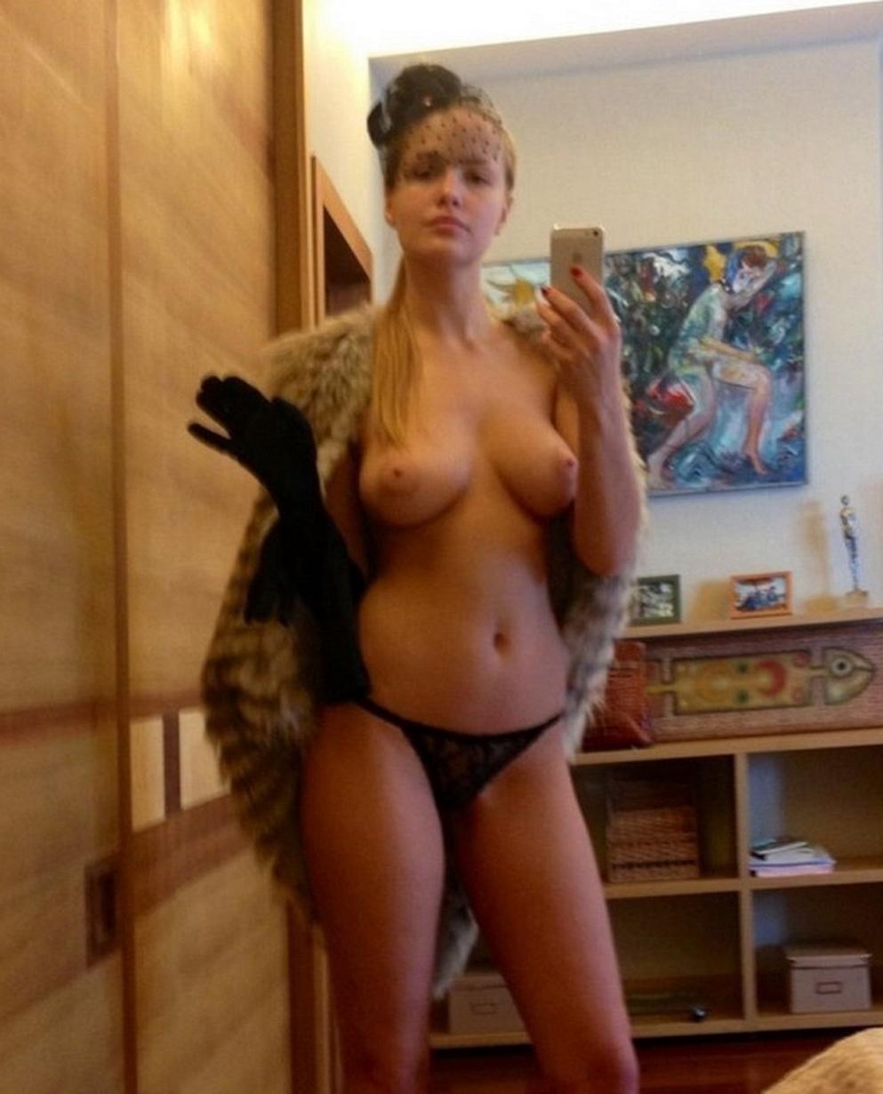 SNSに自撮りうpするロシアの妖精たちのエロ画像がヤバい・・・(34枚)・22枚目