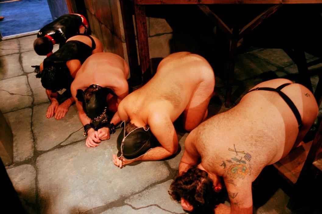 """""""市場""""で買われた奴隷さんの様子、超絶胸糞。。。(画像23枚)・6枚目"""