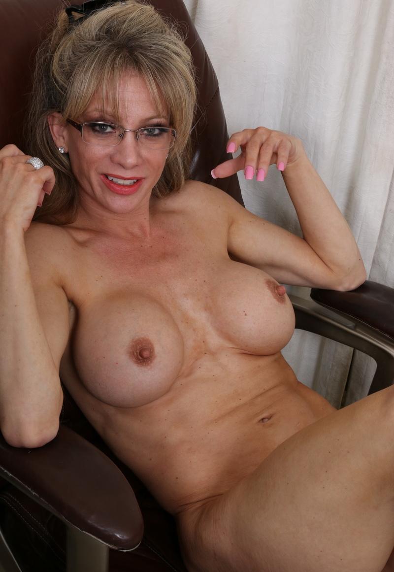 豊胸手術した女の数十年後の姿がこちら・・・(画像あり)・11枚目
