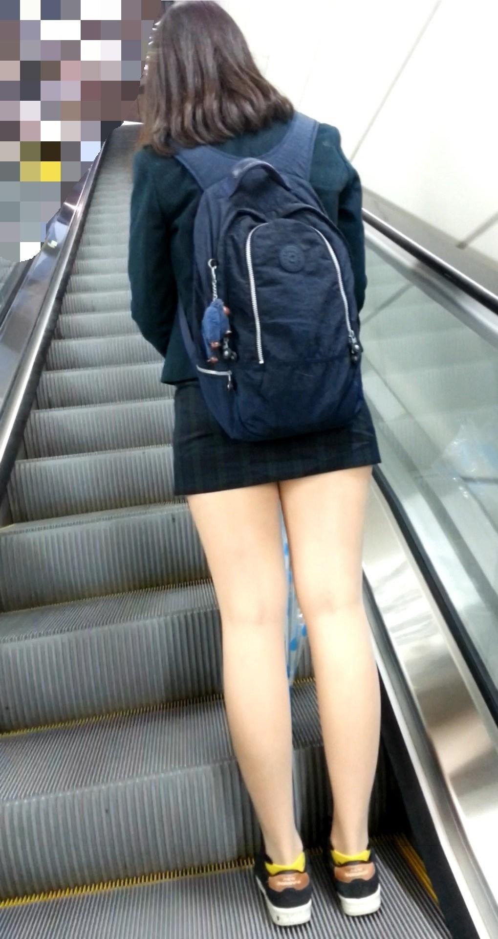 タイトミニの制服がぐうシコすぎる韓国JKがエロ目線でしか見れない件。(画像あり)・12枚目