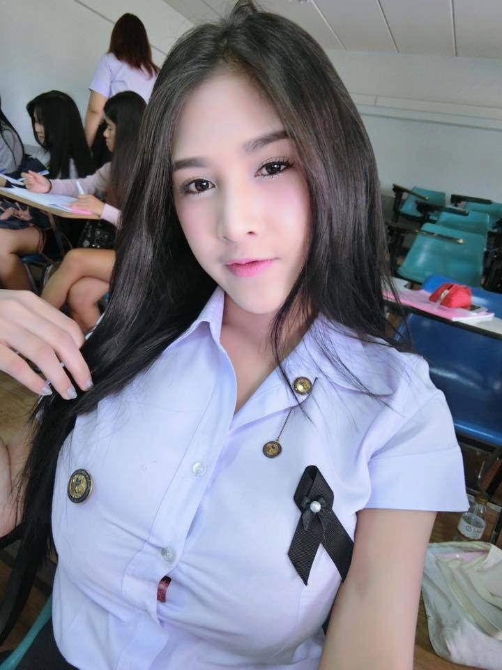 タイの制服JDまんさん、おっぱい重量感凄過ぎワロタwwwwwww(画像あり)・13枚目