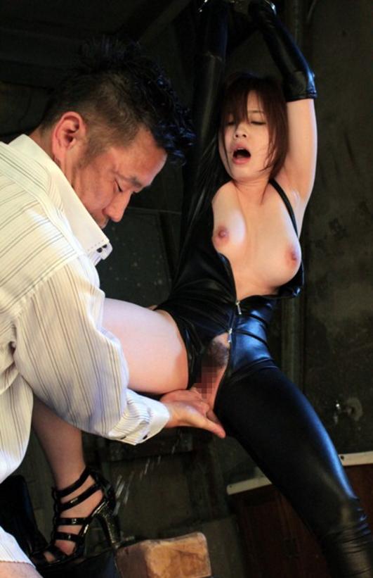 ラバースーツの女との性行為が怖すぎてトラウマwwwwwwwwww(画像33枚)・14枚目