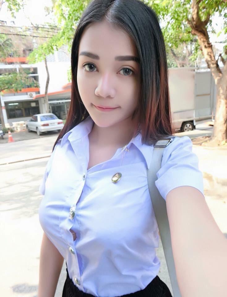 タイの制服JDまんさん、おっぱい重量感凄過ぎワロタwwwwwww(画像あり)・16枚目