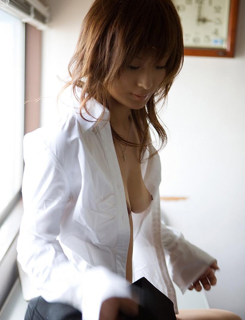 【DTの憧れ】ワイの「セックス事後女 × Yシャツ」っていう画像フォルダを解放するwwwwww(画像あり)・17枚目