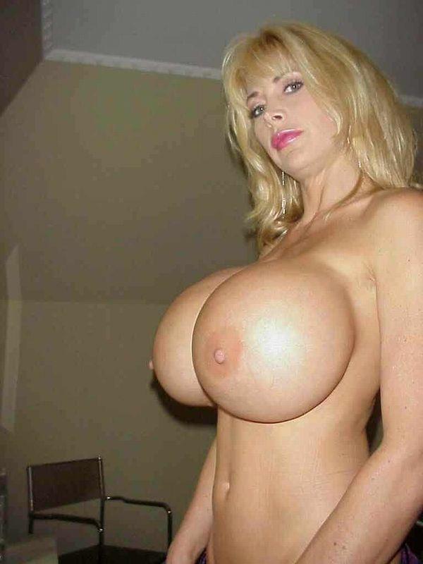 豊胸手術した女の数十年後の姿がこちら・・・(画像あり)・21枚目