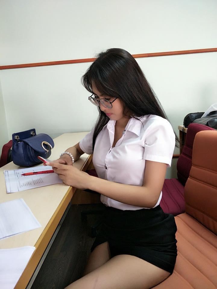 タイの制服JDまんさん、おっぱい重量感凄過ぎワロタwwwwwww(画像あり)・22枚目