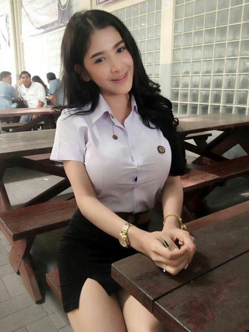 タイの制服JDまんさん、おっぱい重量感凄過ぎワロタwwwwwww(画像あり)・4枚目