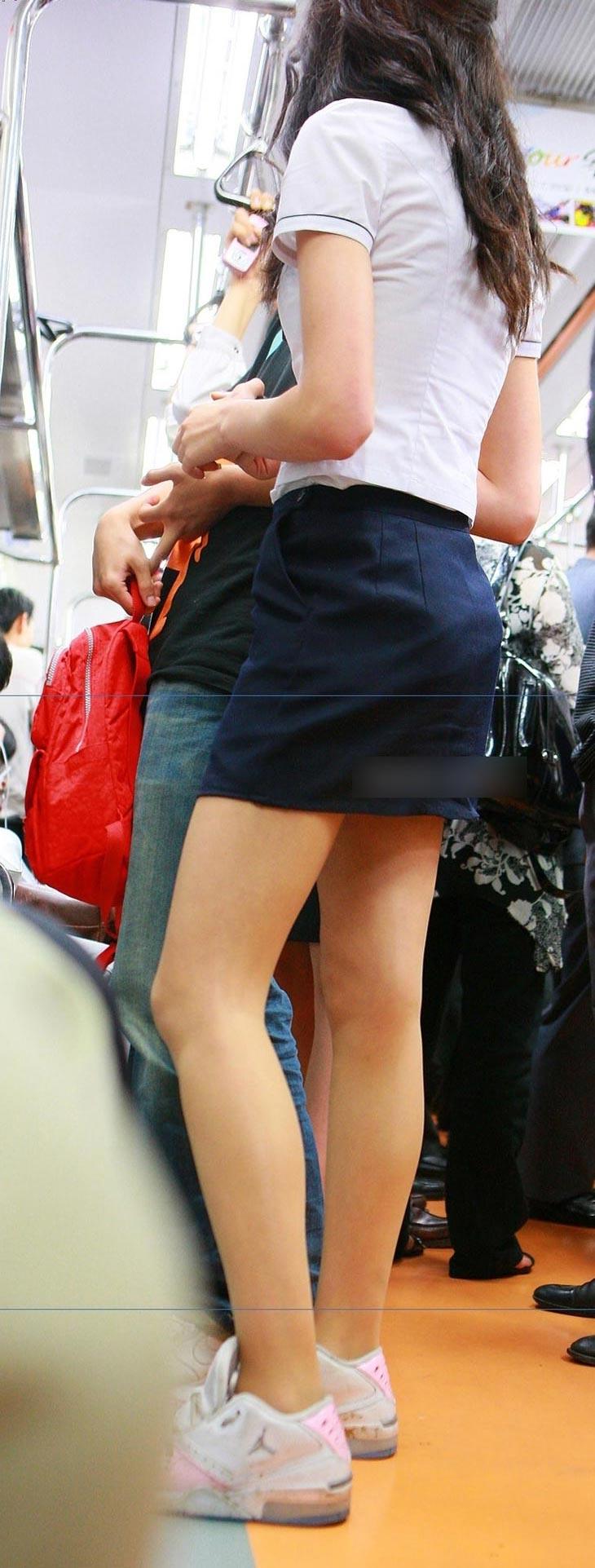 タイトミニの制服がぐうシコすぎる韓国JKがエロ目線でしか見れない件。(画像あり)・6枚目
