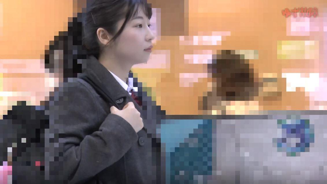 【※盗撮】清純JKさんの盗撮からの顔射があまりにもヒドイ映像。。・1枚目