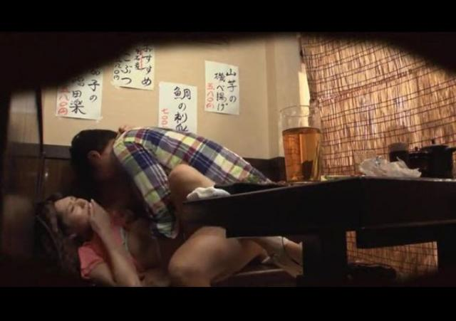 【悲報】泥酔した女が二次会で個室に連れ込まれる理由・・・・・・・(画像あり)・8枚目