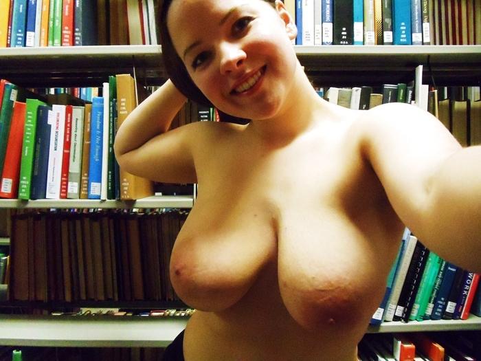 図書館でポロリチャレンジとかいう度胸試しがマジキチすぎな件wwww(画像あり)・12枚目
