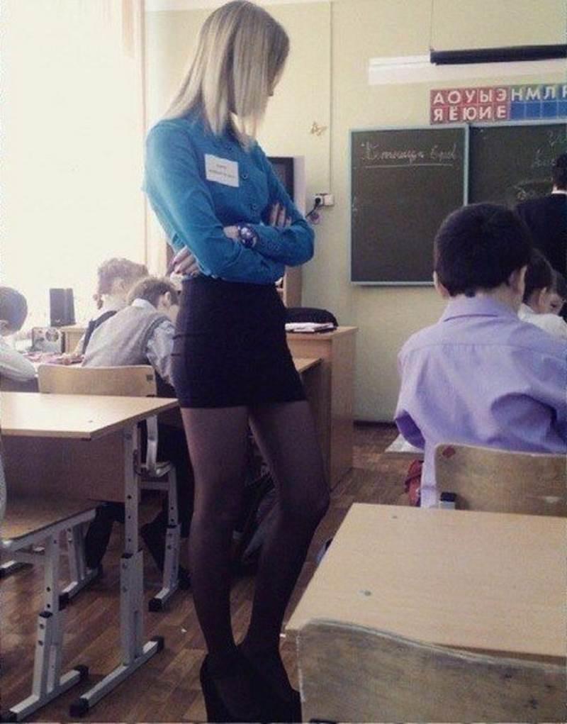 授業参観でお父さんが集まるロシアの女教師の画像集(34枚)・15枚目