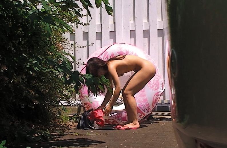 海の家ないビーチで着替え中の女の子が隠し撮りされる・・・・(画像あり)・17枚目