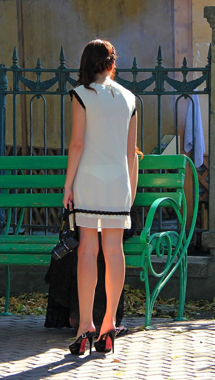 夏になると街中で見かける透けファッション、さすがに過激すぎるwwwww(画像あり)・18枚目