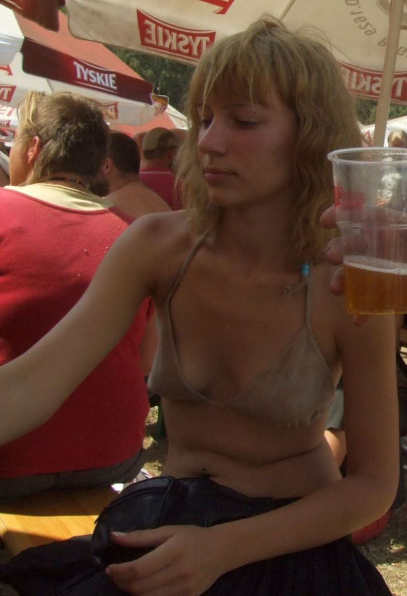 野外フェスで盛り上がり過ぎてしまったポーランド美女の末路wwwwwww(画像あり)・19枚目