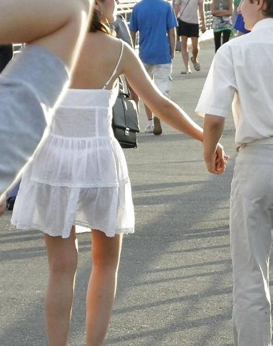夏になると街中で見かける透けファッション、さすがに過激すぎるwwwww(画像あり)・23枚目