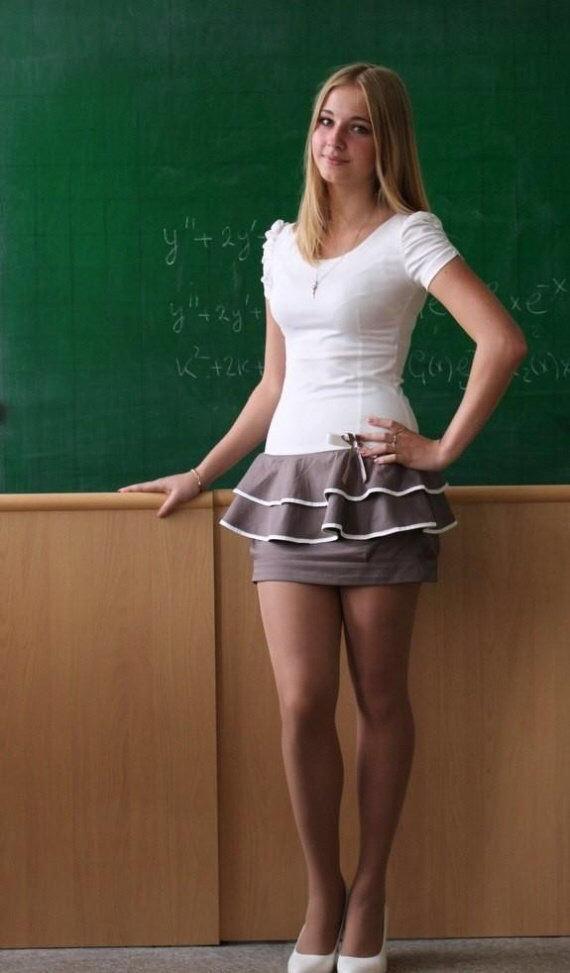 授業参観でお父さんが集まるロシアの女教師の画像集(34枚)・23枚目