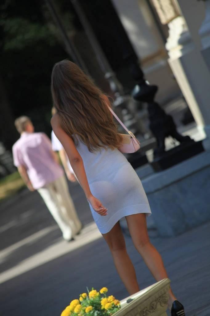 夏になると街中で見かける透けファッション、さすがに過激すぎるwwwww(画像あり)・33枚目