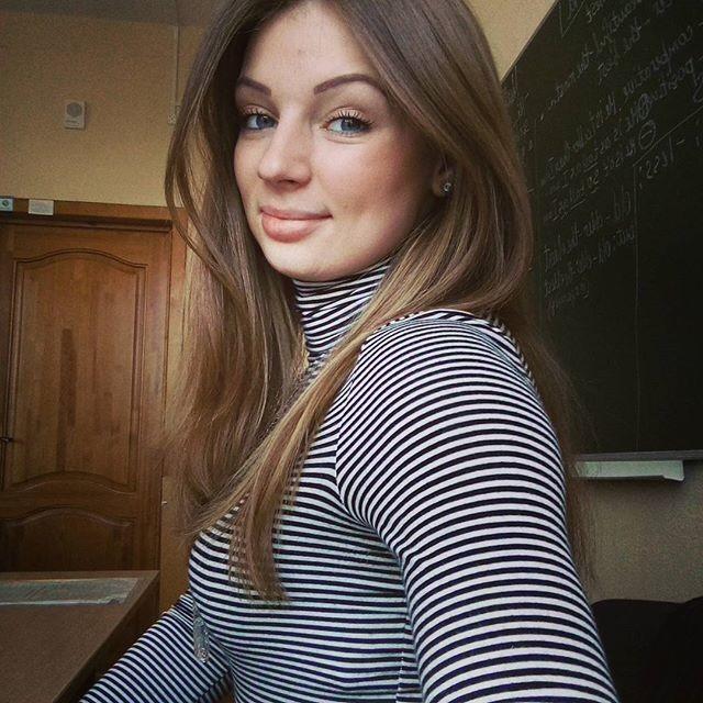 授業参観でお父さんが集まるロシアの女教師の画像集(34枚)・7枚目