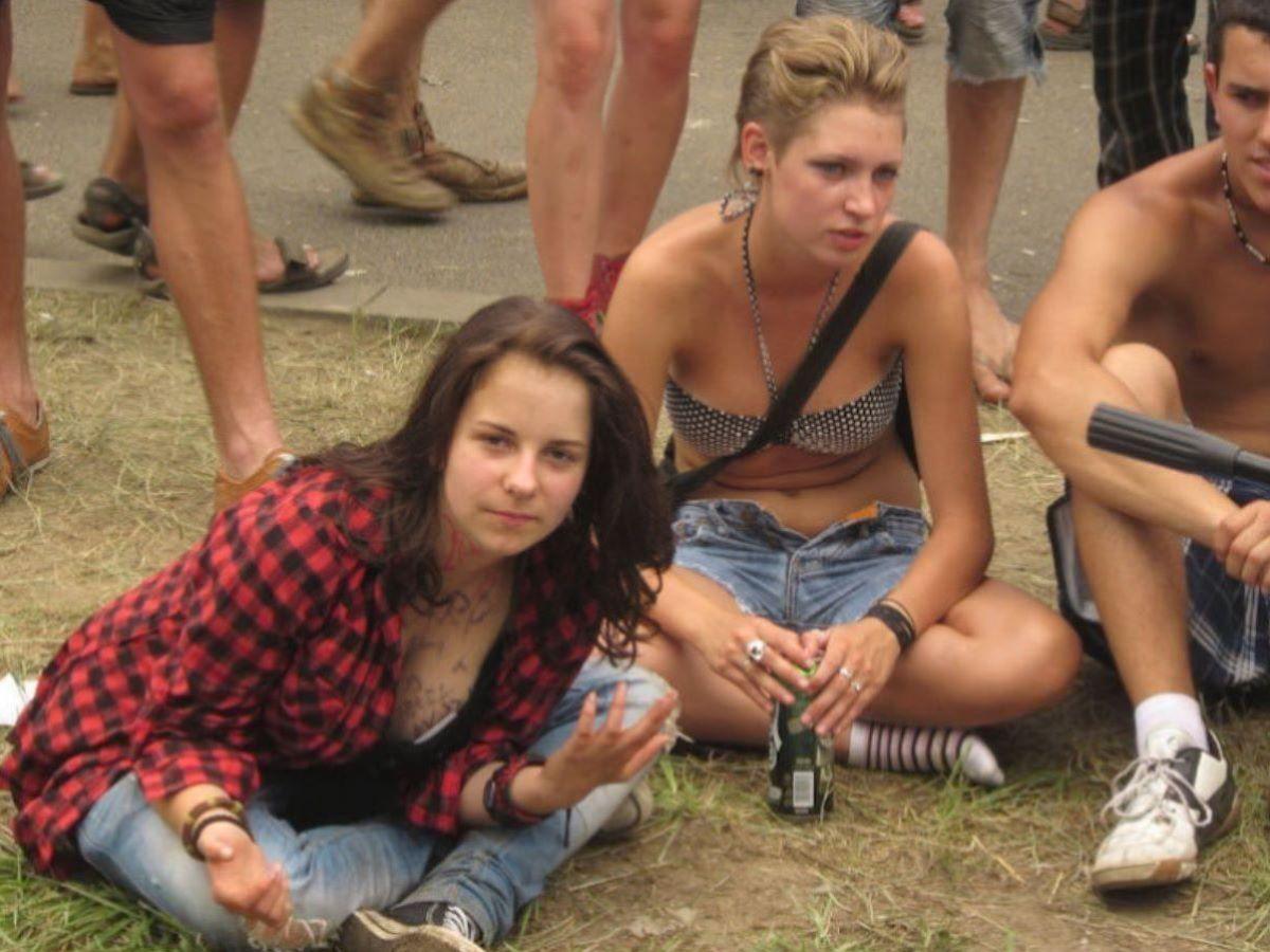 野外フェスで盛り上がり過ぎてしまったポーランド美女の末路wwwwwww(画像あり)・7枚目