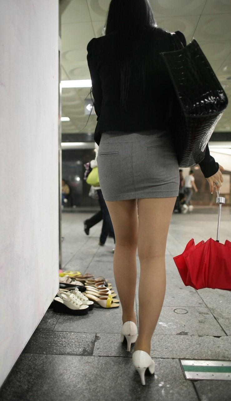 街中を歩くミニスカ韓国女子、意外とイイ尻してますわ(画像37枚)・7枚目