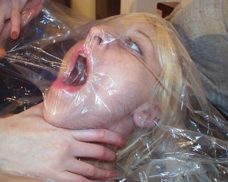 【画像あり】「窒息責め」とかいうプレイ、、、これは死ぬ。・12枚目