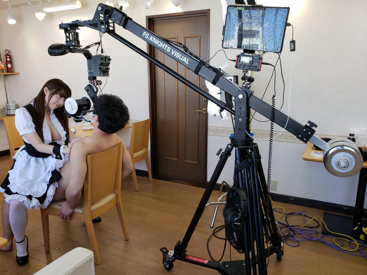 アダルトVRの撮影現場、ドヤ顔でセックスしてたwwwww(画像あり)・12枚目
