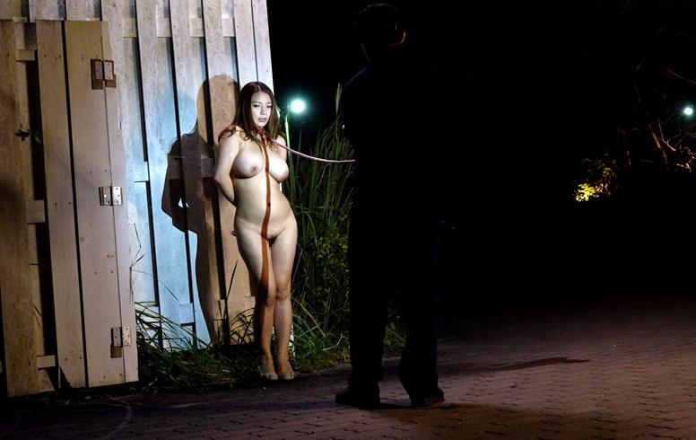 裸で割と本気で露出してる痴女wwwwwwwwwww(画像37枚)・26枚目