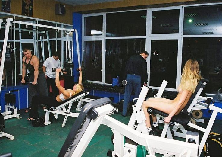 トレーニングする女子がエロ過ぎて集中できないんだが・・・(画像40枚)・4枚目